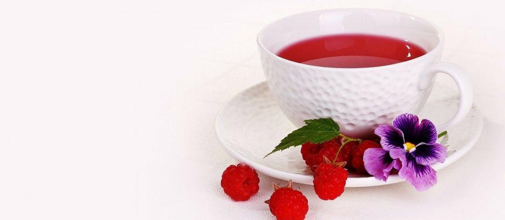 Чай с малиной: польза и вред